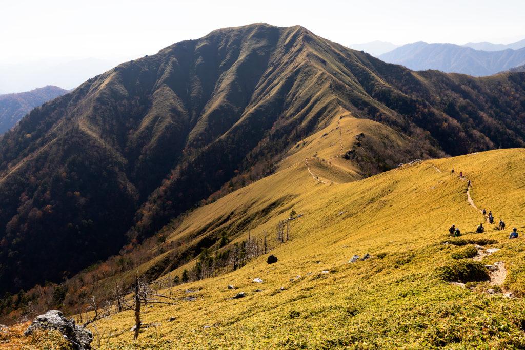 剣山から次郎笈への道